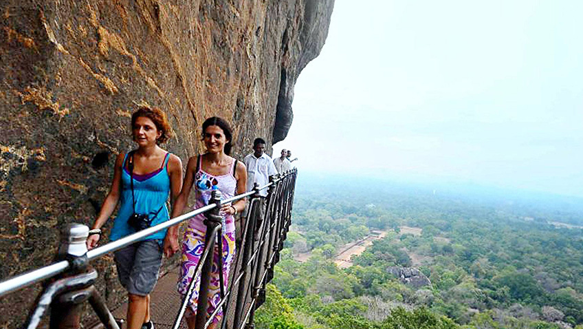 Sri Lanka: A fragile beauty that crosses old frontlines