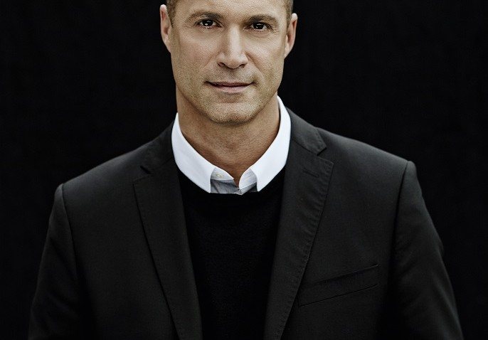 Cinnamon hosts celebrity Fashion Photographer Nigel Barker, putting Sri Lanka on the Map!