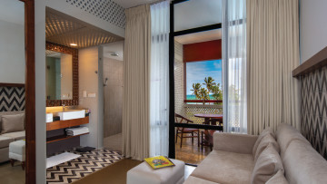 Luxury Wing Review: Cinnamon Bey Beruwala